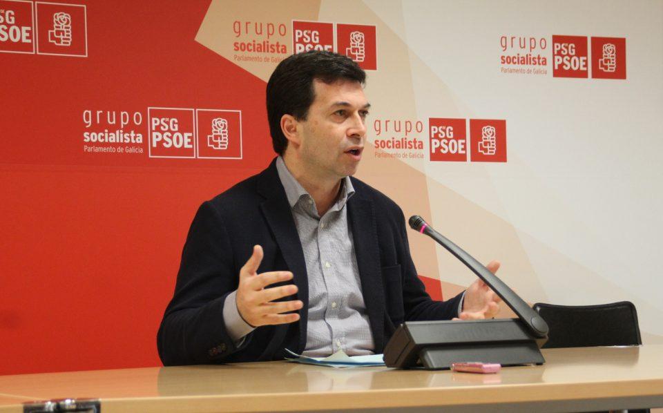 Gonzalo Caballero, durante a súa comparecencia no Grupo Parlamentario Socialista